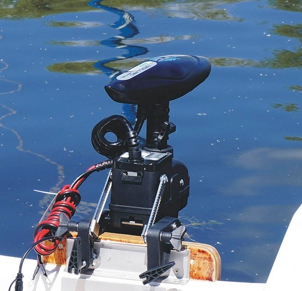Cayman_T Remote Controlled Outboard